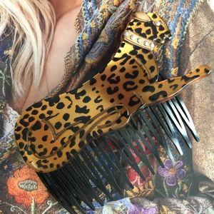 VINTAGE Cheetah Hair Comb